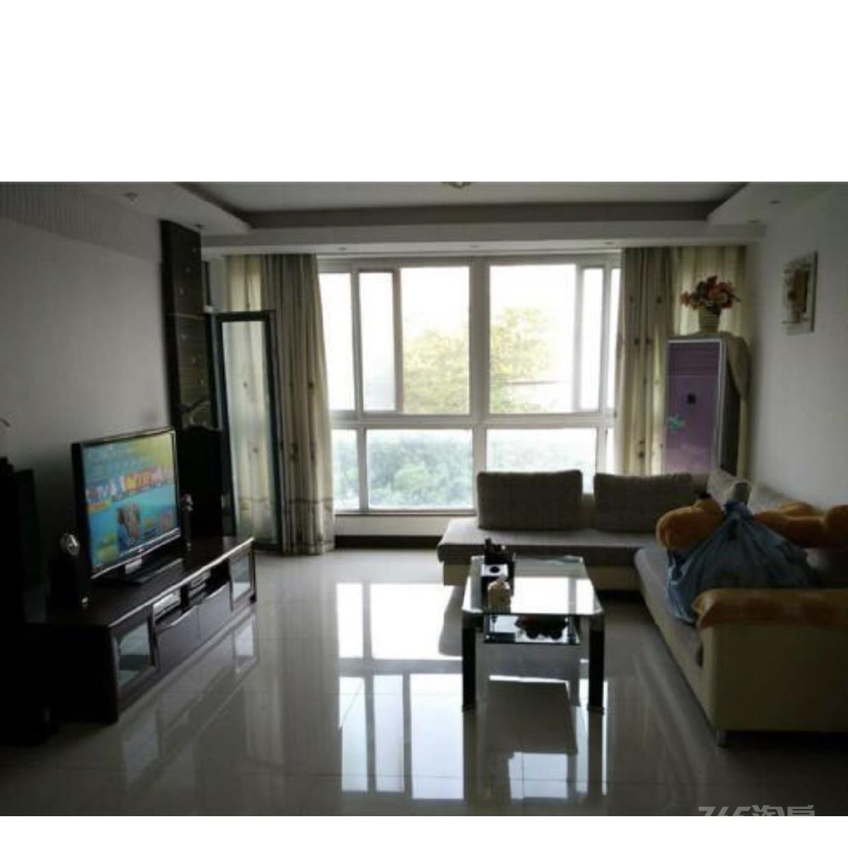 清江西苑3室2厅2卫145平米整租精装