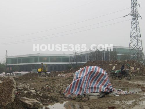 华润国际社区11月工程进展:售楼中心基本完工