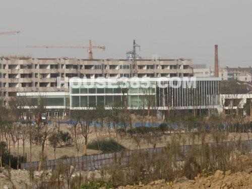 华润国际社区10月最新进展图-售楼中心即将完工