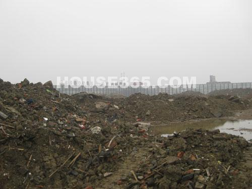 华润国际社区11月工程进展:地块平整中