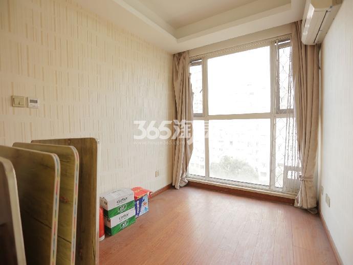 石林大公园4室3厅3卫103平米豪华装产权房2012年建