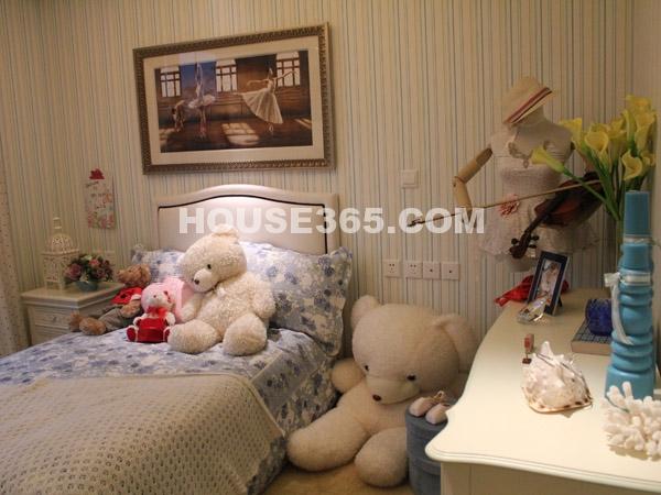 朗香样板房-卧室