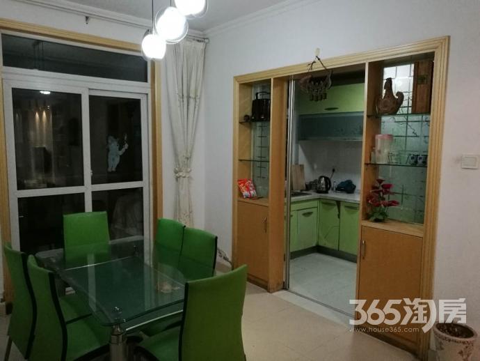 奇瑞BOBO城3室2厅1卫115平方产权房精装