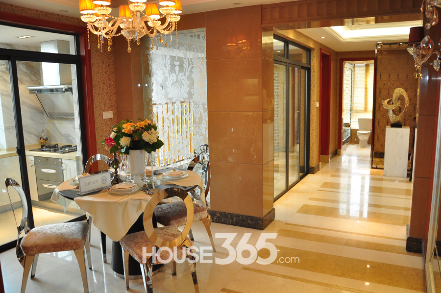 124平样板房-餐厅