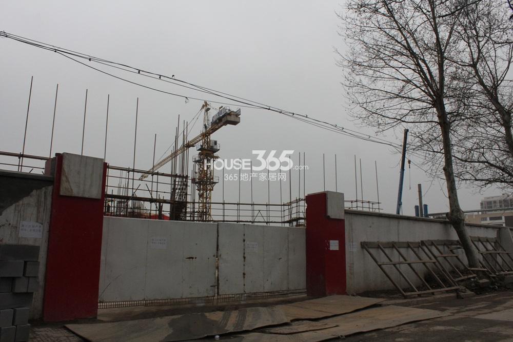 世茂外滩新城西侧商业体施工实景图(3.25)