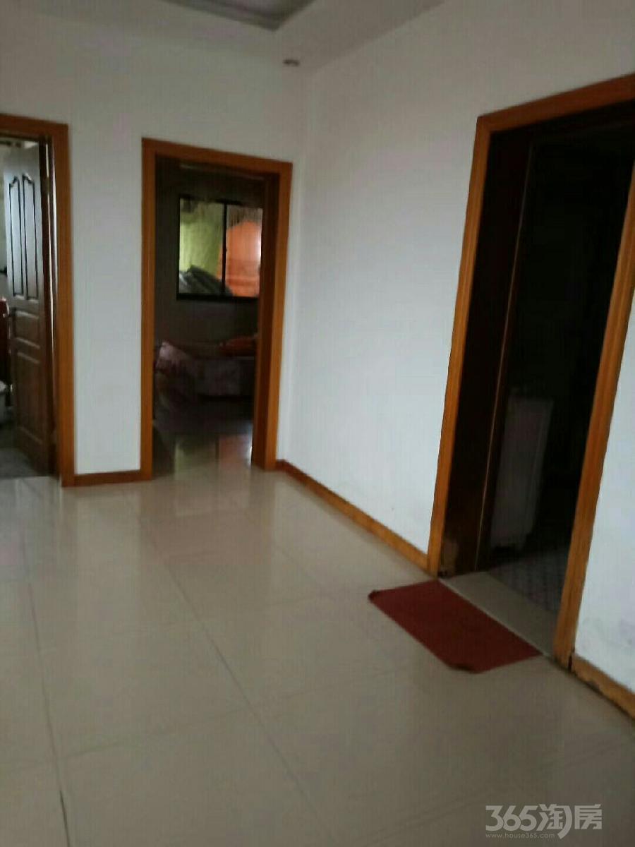 立新社区3室2厅1卫132.05平米10年产权房中装