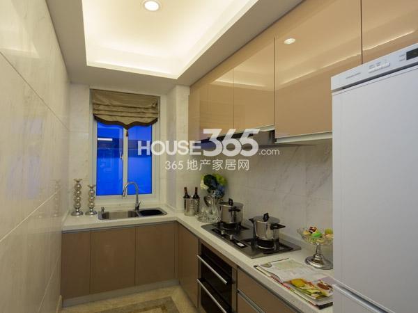 118平样板房-厨房