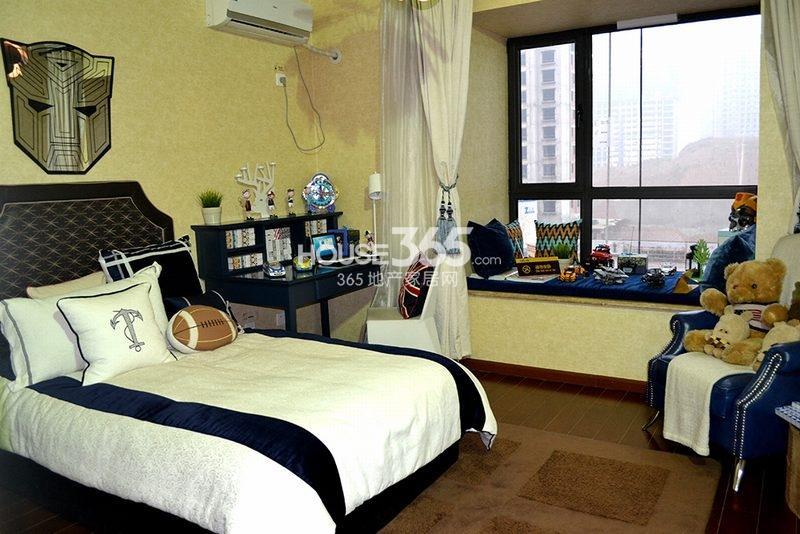 曲江观山悦悦公馆170平4室2厅2卫1厨样板间-卧室