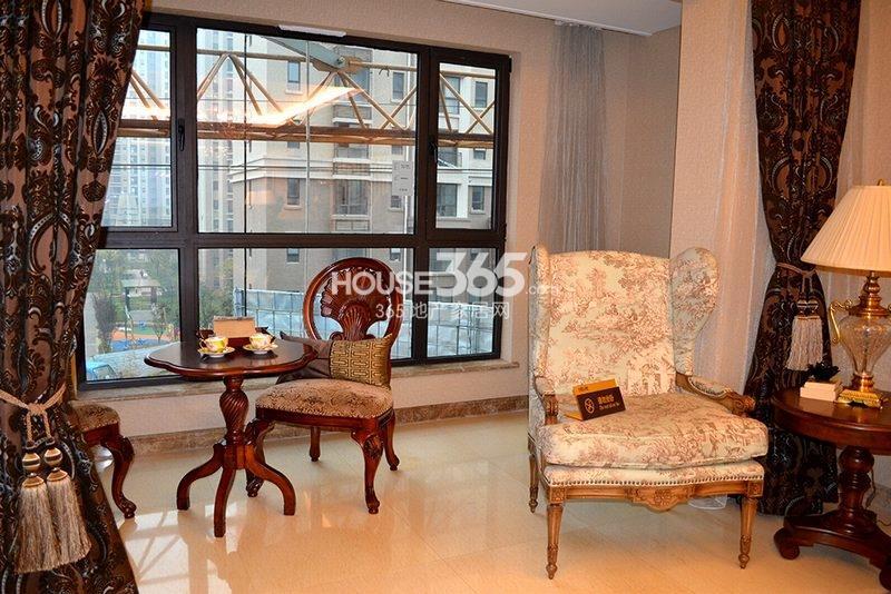 曲江观山悦悦公馆170平4室2厅2卫1厨样板间-阳台