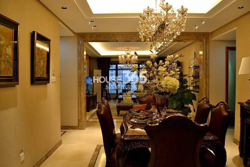 曲江观山悦悦公馆170平4室2厅2卫1厨样板间-餐厅及客厅