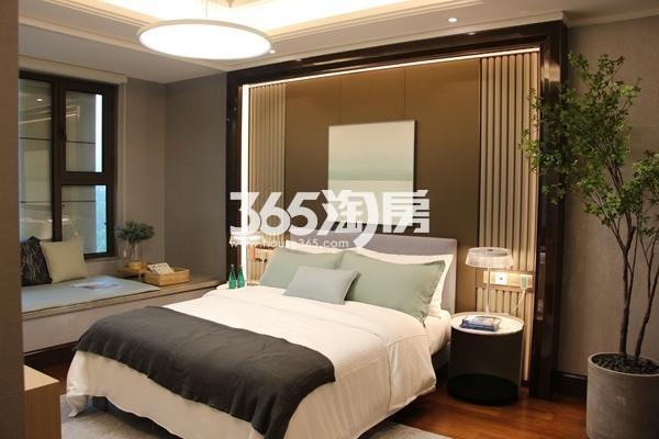 富力运河十号125平洋房样板间卧室