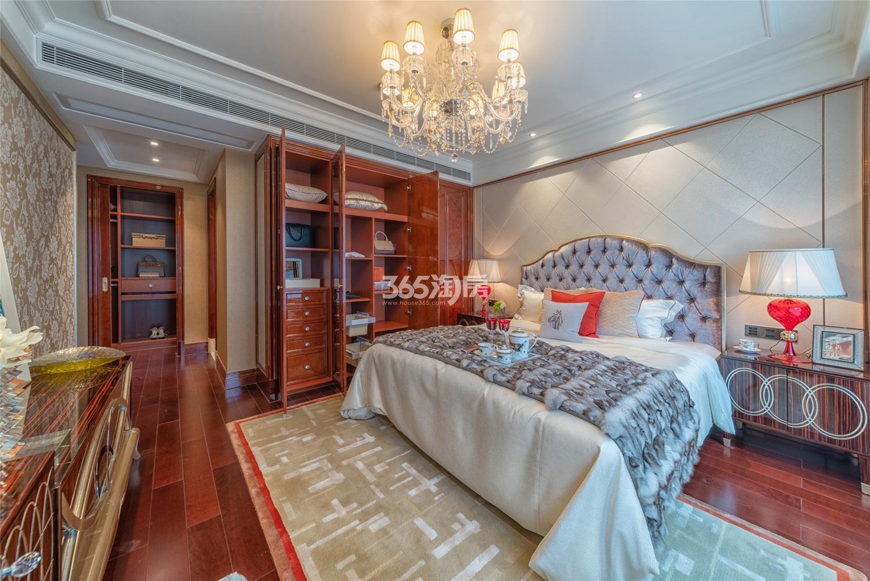 滨江保利翡翠海岸3#191方(D1户型)法式样板房---卧室