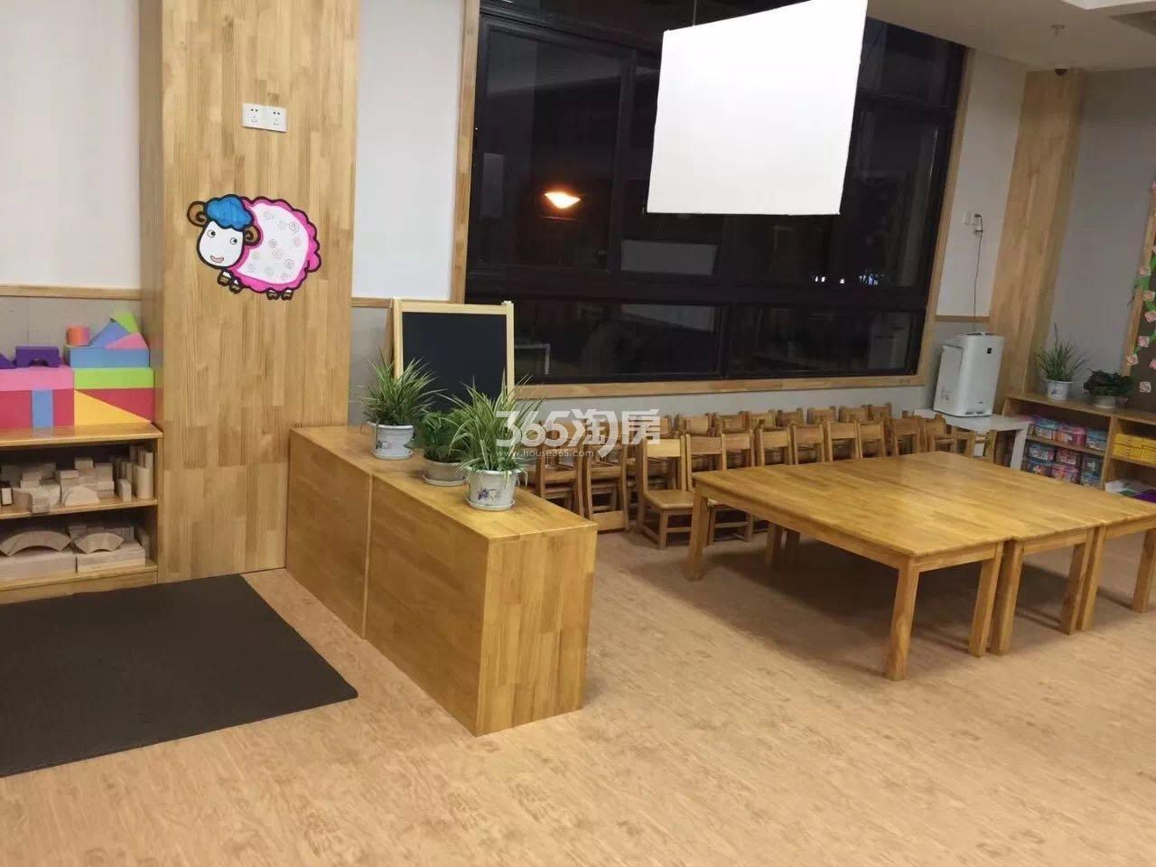 雅居乐滨江国际书人幼儿园实景图(3.16)