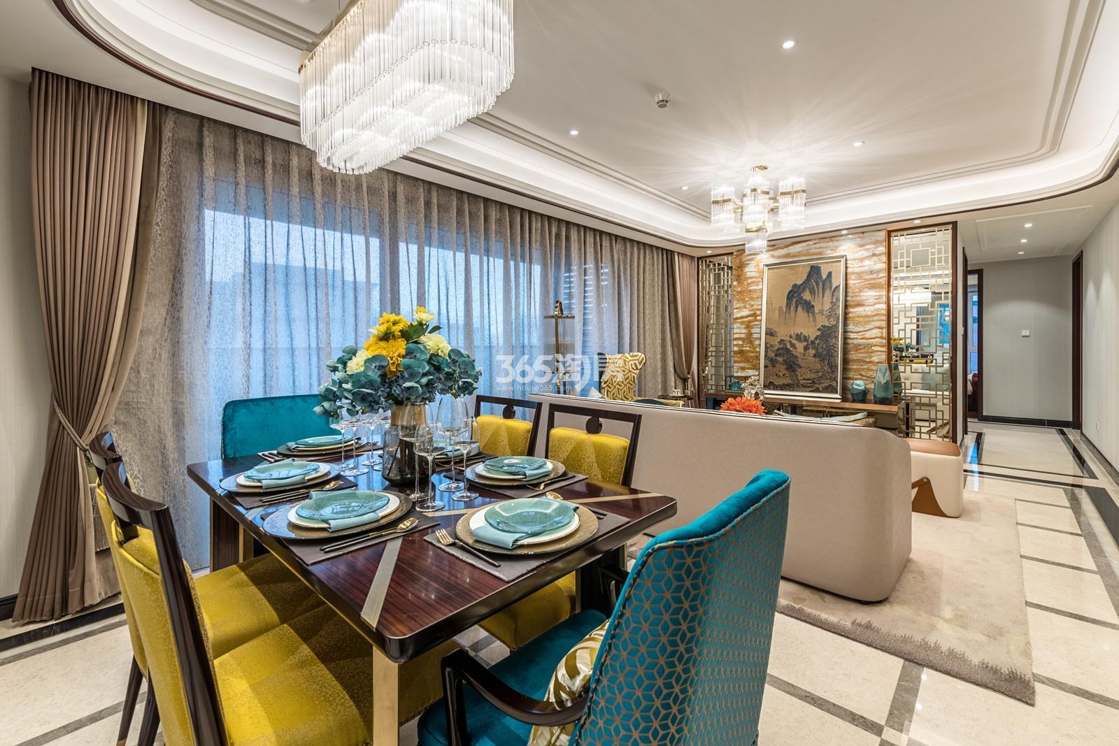 滨江保利翡翠海岸137方(B1户型)亚洲风格样板房---餐客厅