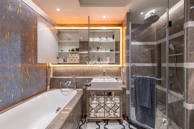 滨江保利翡翠海岸139方(B2户型)海派风格样板房---卫浴间