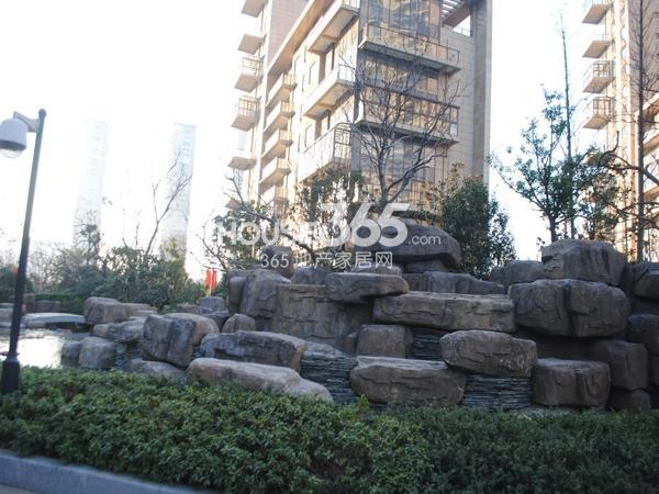 绿地西水东中央生活区小区实景图(2014.1)