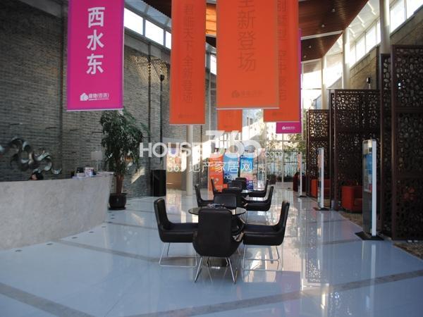 绿地西水东中央生活区售楼处(2014.1)