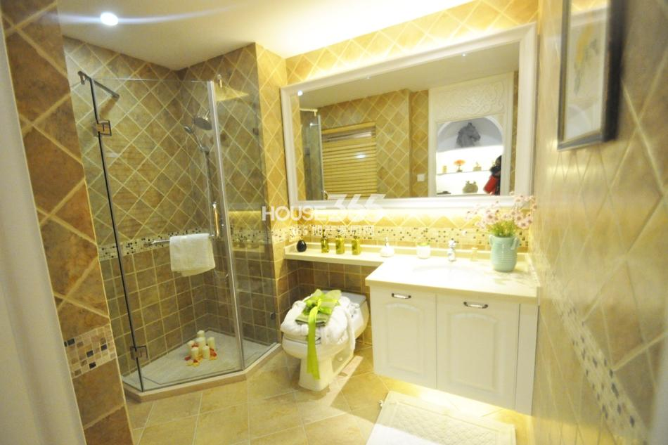 银亿东城D2样板间——卫浴