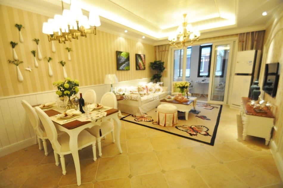 银亿东城D2样板间——客厅