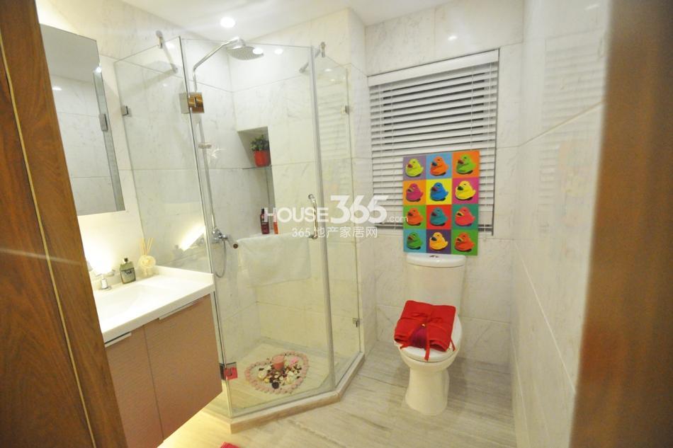 银亿东城D6样板间——卫浴
