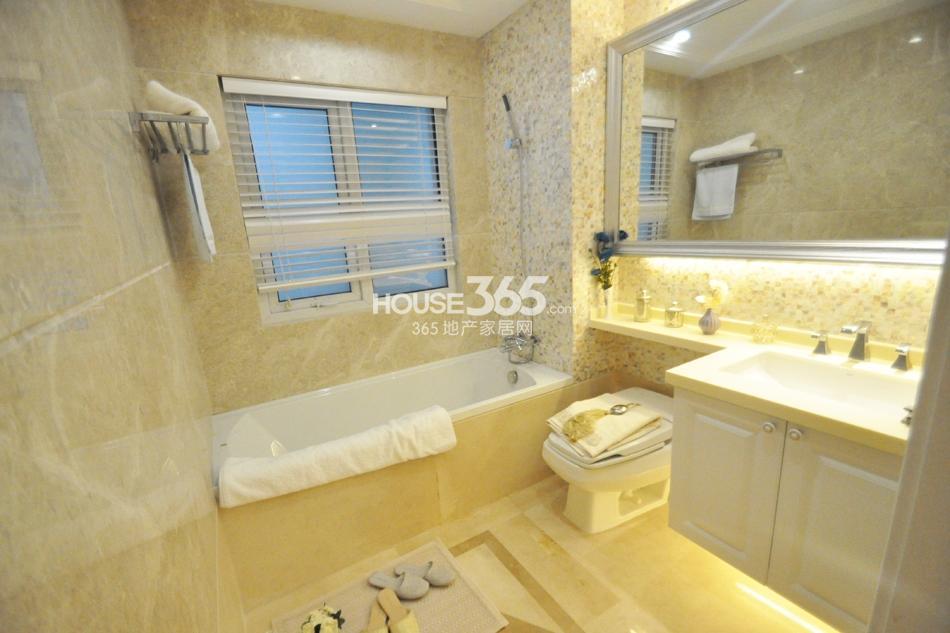 银亿东城D1样板间——卫浴