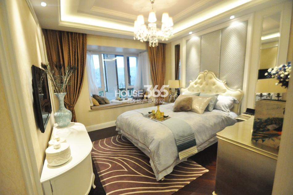 银亿东城D1样板间——卧室
