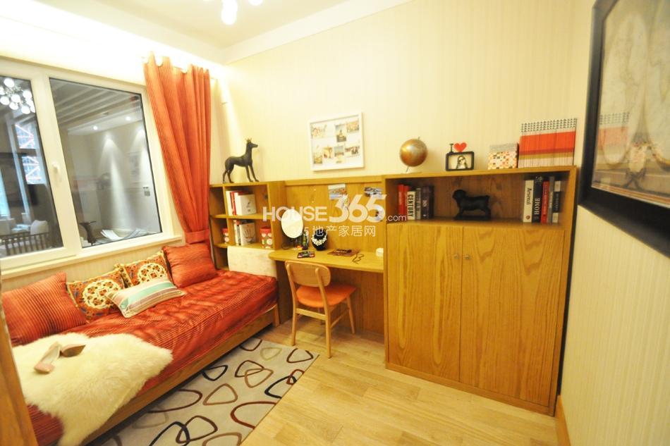 银亿东城D6样板间——卧室