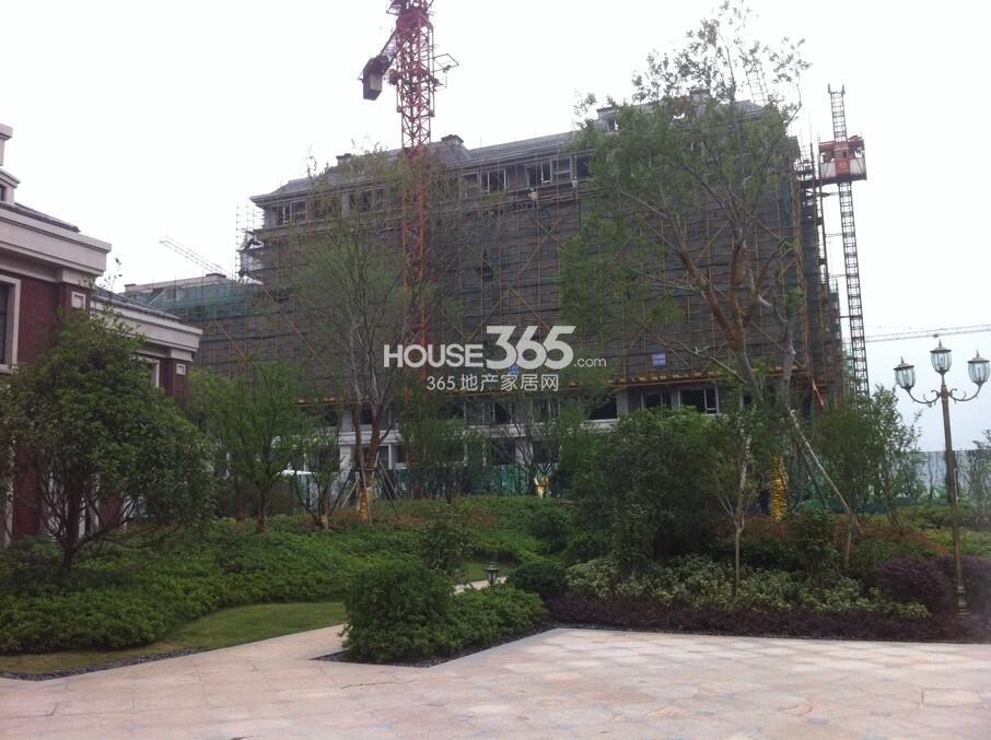 银亿东城小高层已经封顶实景图(6.15)
