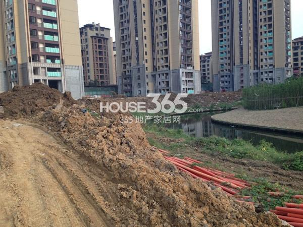 龙湖龙誉城工程进度实景图(2014.9)