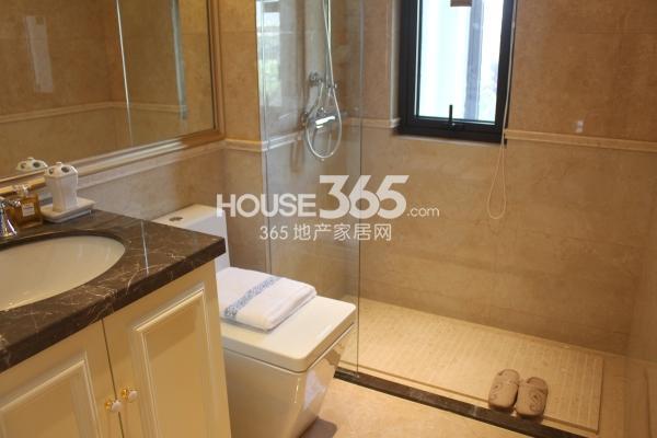 佳兆业广场高层B户型124平两室两厅一厨一卫加空中花园样板间