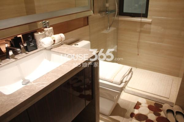 佳兆业广场高层户型A88平两室两厅一卫一厨样板间