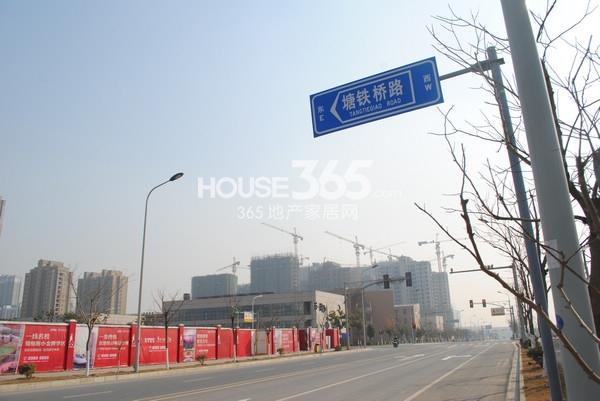 苏宁悦城北部地块已动工(2015.1 摄)