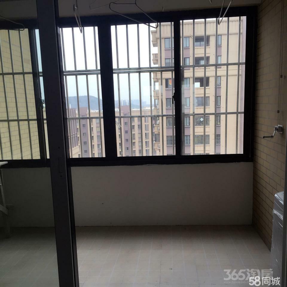 绿地启航社3室2厅1卫100平米2013年产权房简装