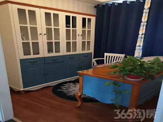 金龙湖高铁时代广场3室2厅2卫130�O80万湖景房