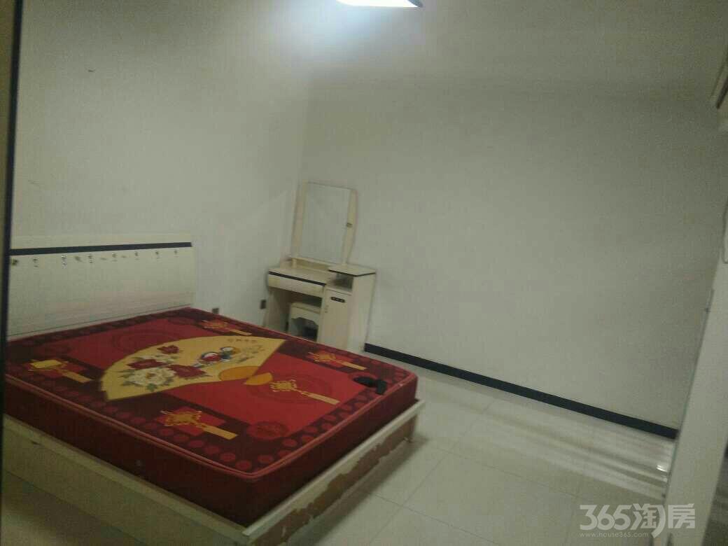 个人凤鸣华府3室1厅1卫110平米整租精装