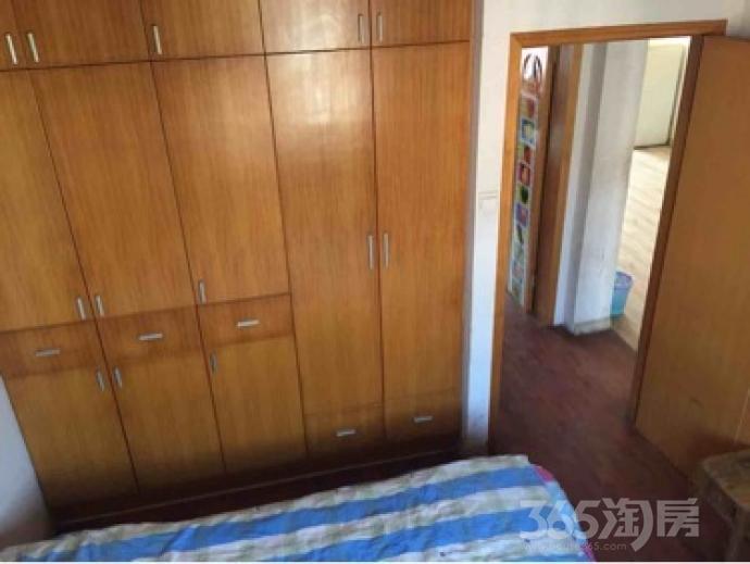 马塘新镇3室2厅2卫153平米整租精装