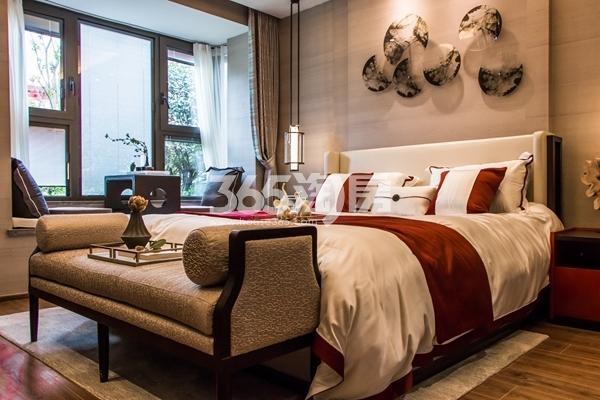 鸿坤理想湾124平洋房樾熙户型样板间卧室