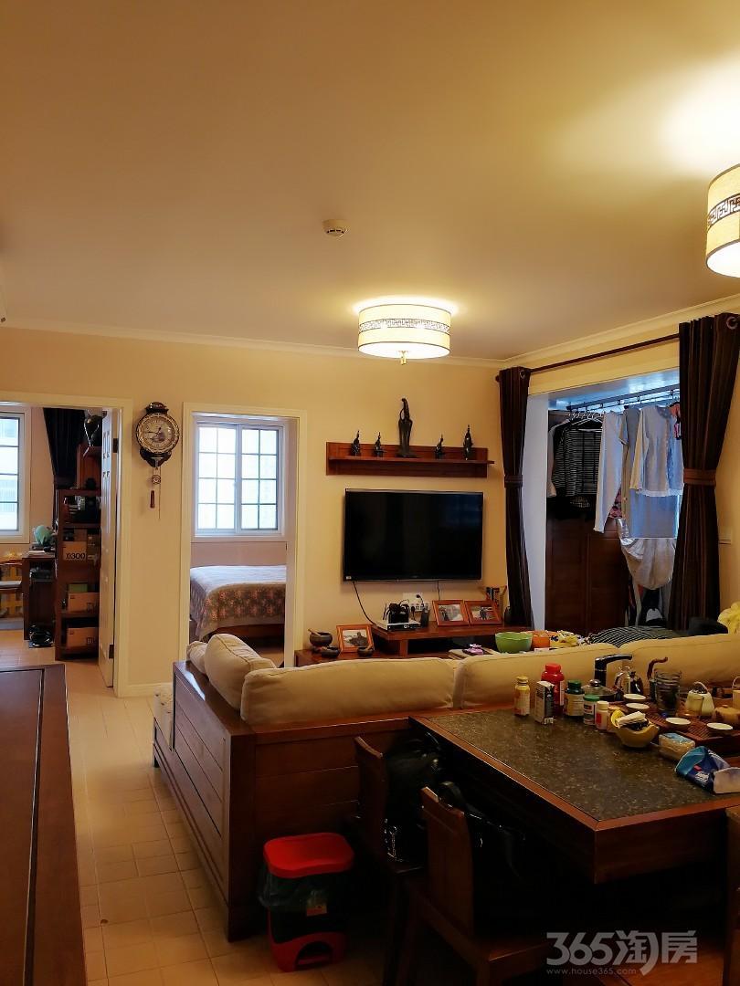 江苏路60号世贸大厦B座2室1厅1卫85平米豪华装
