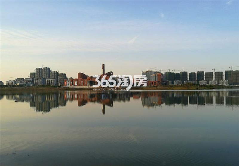 高速蜀西湖畔实景图