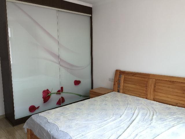 瑞祥家园3室2厅1卫110�O整租精装