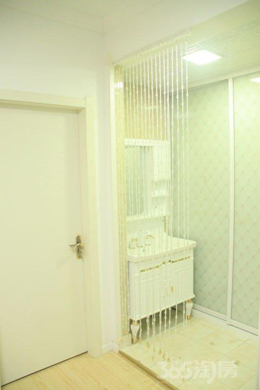 白金湾2室2厅1卫99平米整租精装