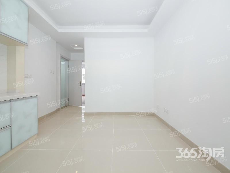 直降5万绒庄新村2室2厅1卫64平方产权房精装
