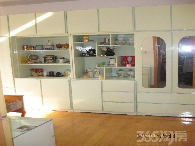 湖南路2室2厅精装婚房