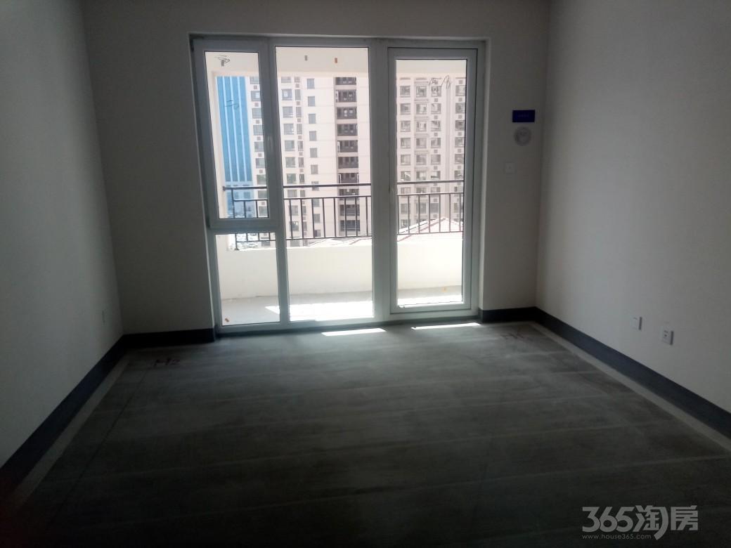 中南世纪锦城3室1厅1卫100平米2013年产权房毛坯