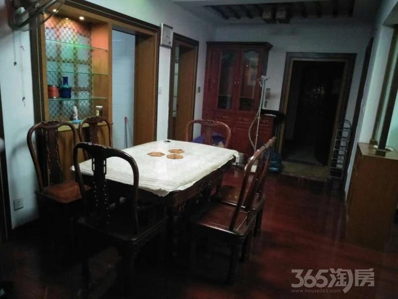 湖沁花园西区3室2厅2卫130平米转租精装