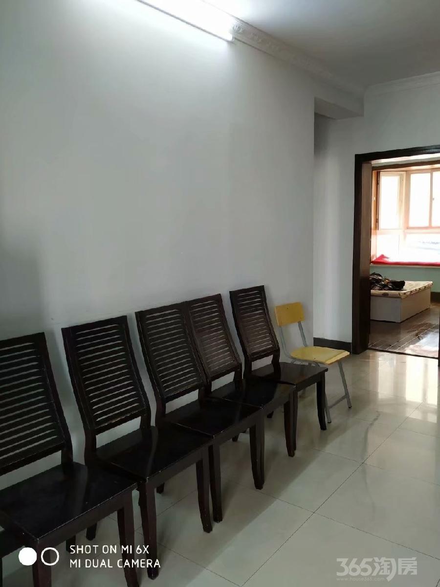 成山公寓1室1厅1卫18平米合租精装