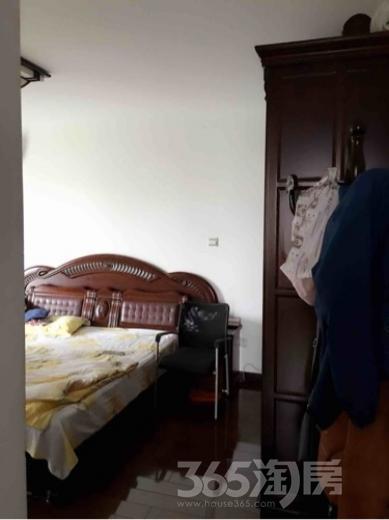 新江海花苑3室2厅1卫120平米中装产权房2008年建