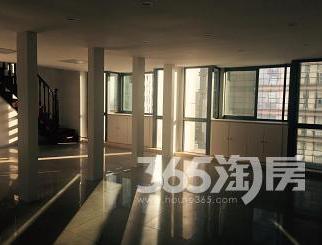 百大CBD公寓楼210.00�O整租精装