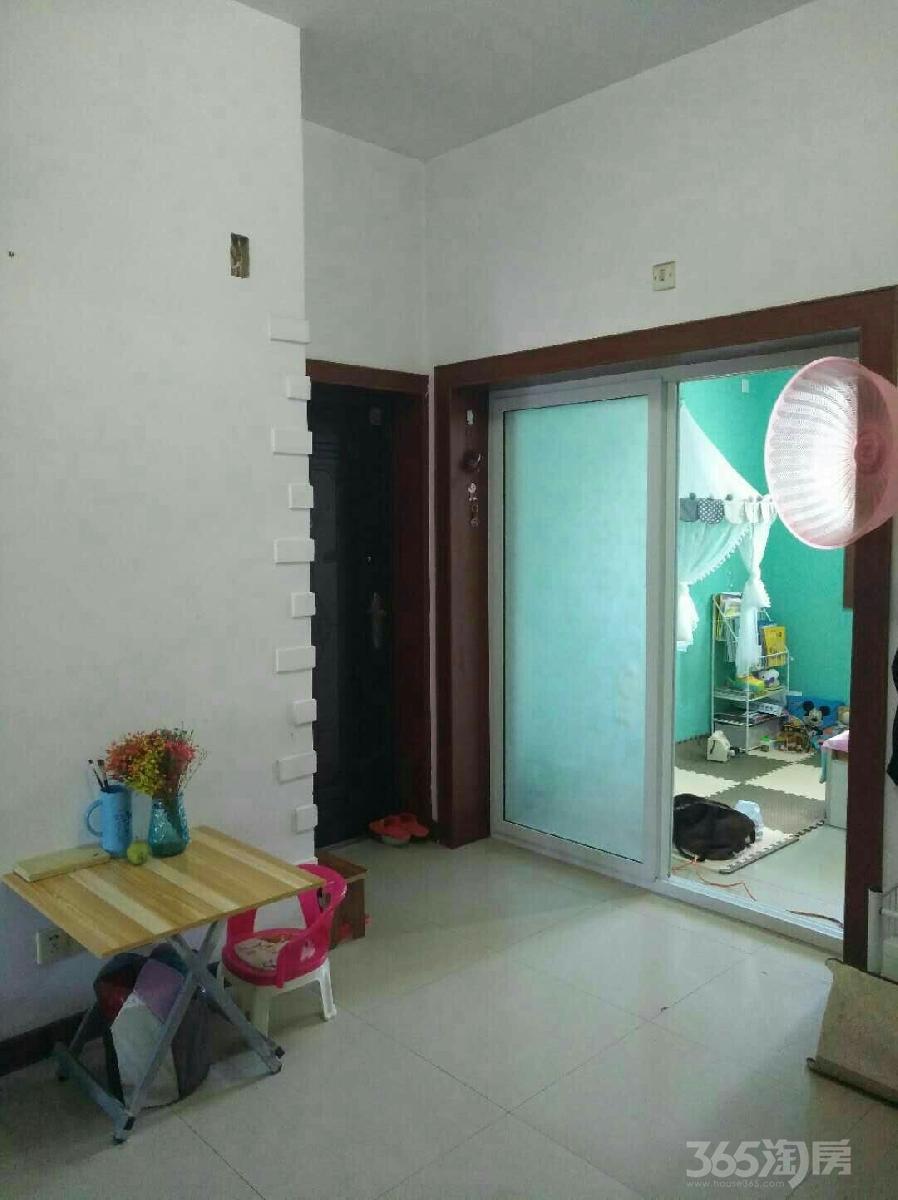 山南新村2室1厅1卫64平米整租简装