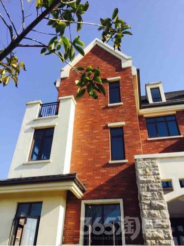 御泉公馆5室3厅4卫360平米毛坯产权房2014年建满五年